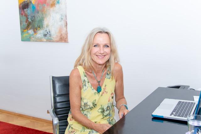 Dr. Carina Schindler